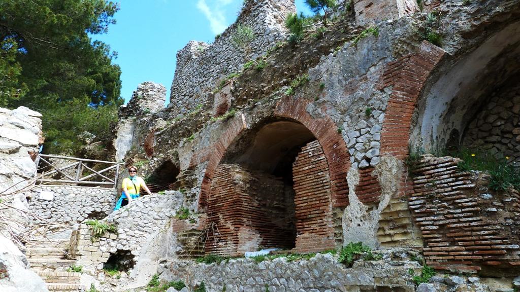 In den Ruinen der Tiberius Villa