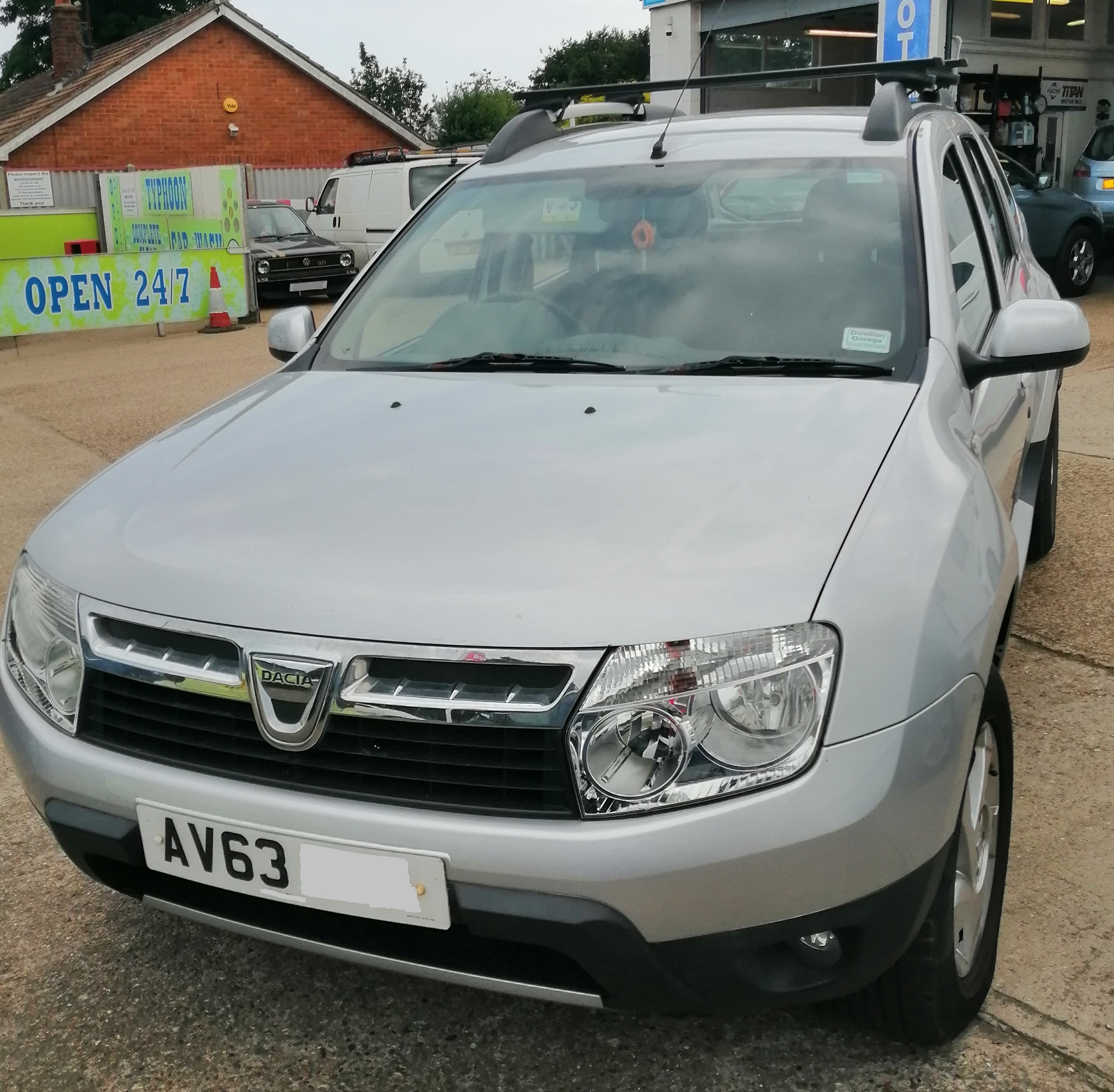 Dacia Duster Laureate 2013 / 63 1461cc - Diesel *** ONLY 40,000 miles *** Full Service History Spare Key £130 per year Road Tax £6295
