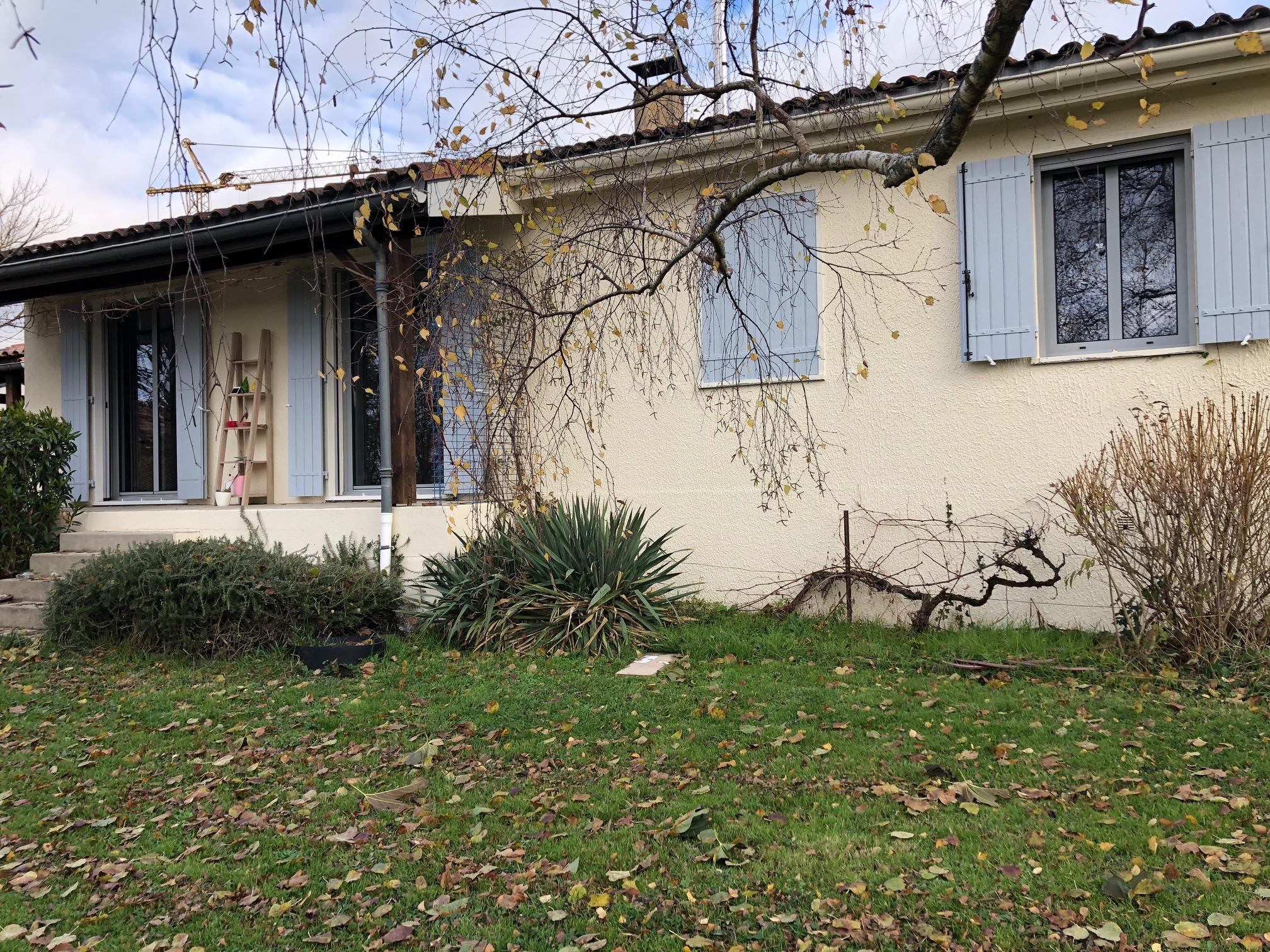 https://0501.nccdn.net/4_2/000/000/038/2d3/menuiseries-alu-renovation-maison-ouvrant-cach---toulouse.jpg