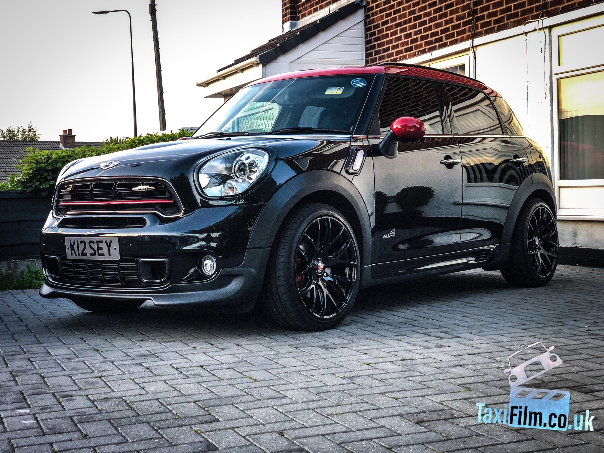 Black / Red Mini Countryman 2016, John Cooper Works,  Manchester ref R0001