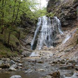 Pot dveh slapov