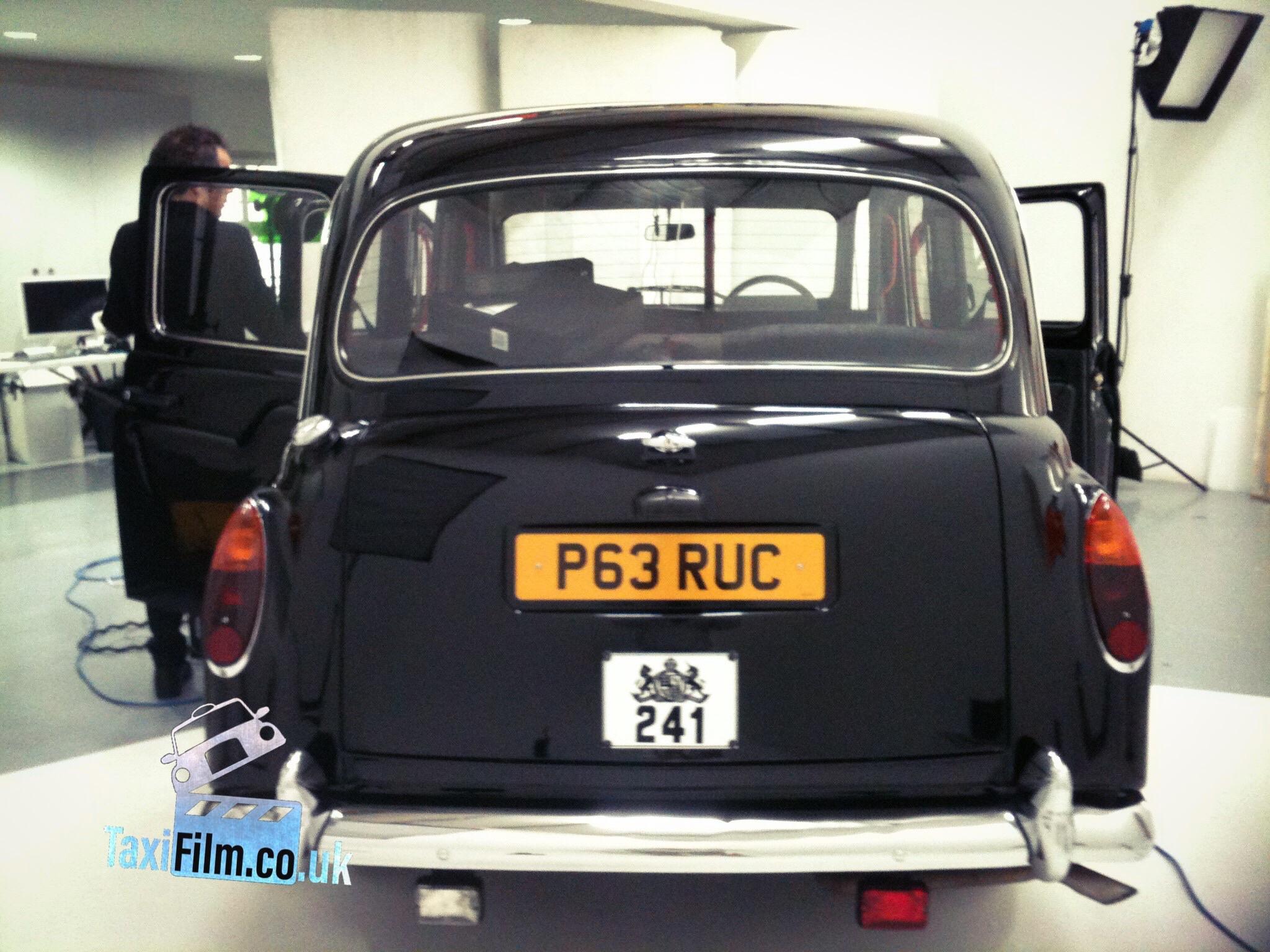 Black Fairway Taxi  1996, London ref F0104