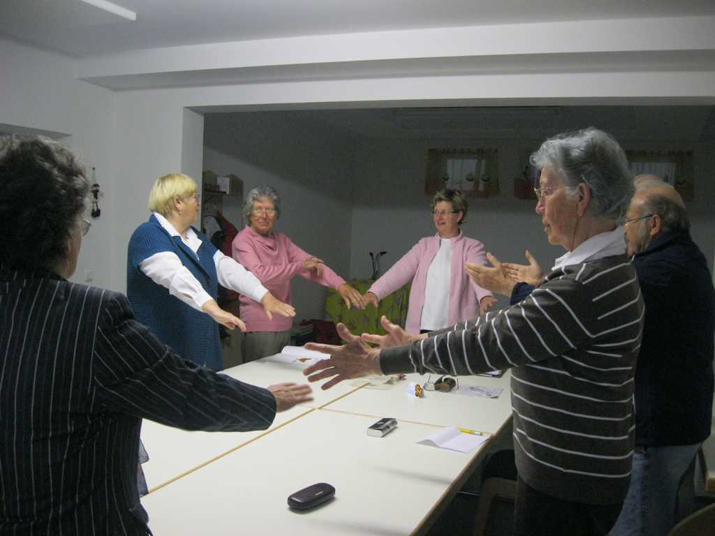 Waltraud Kobl (Bildmitte) mit ihren fleißigen TeilnehmerInnen.