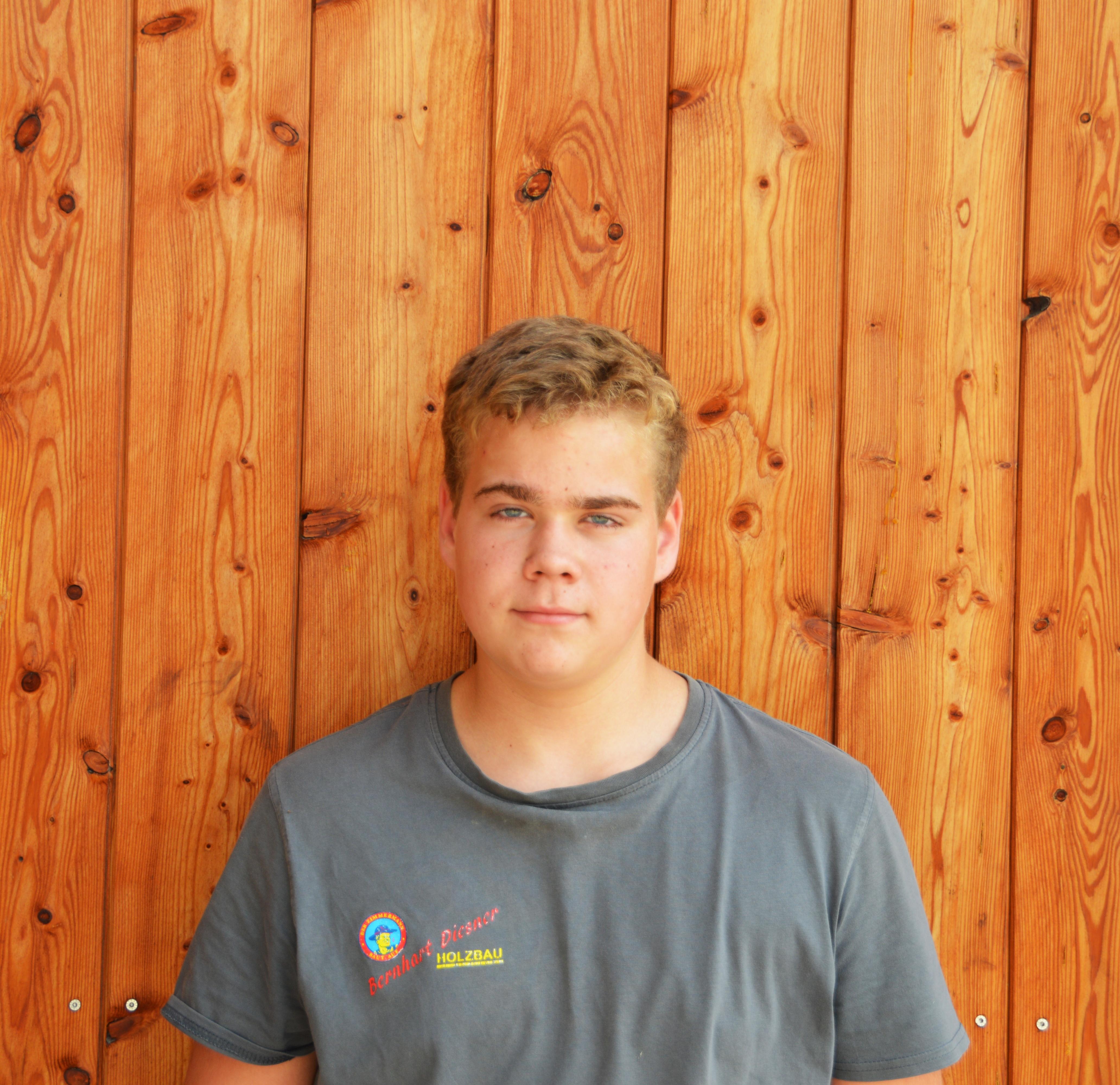 Tobias Langsteiner (Lehrling Zimmerer, Fertigteilhausbauer)