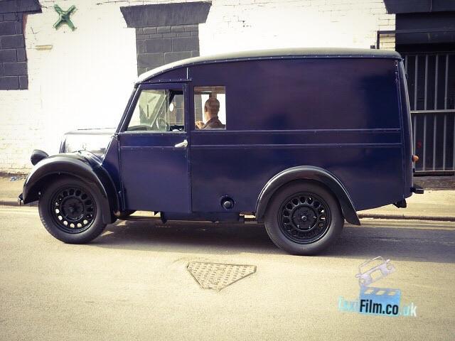 Midnight Blue Morris Van 1940's, Bolton ref C0005