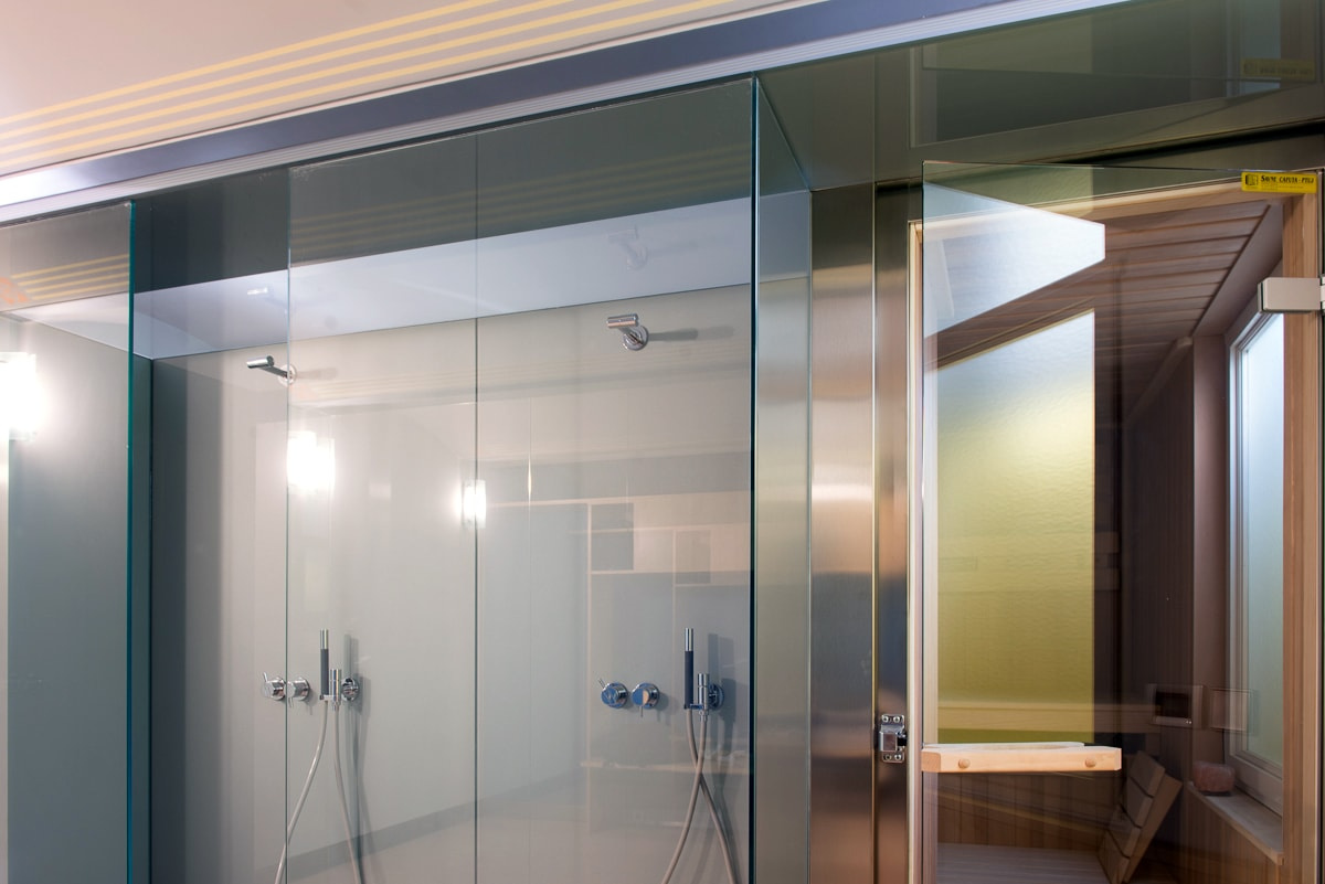Steklena tuš kabina po meri