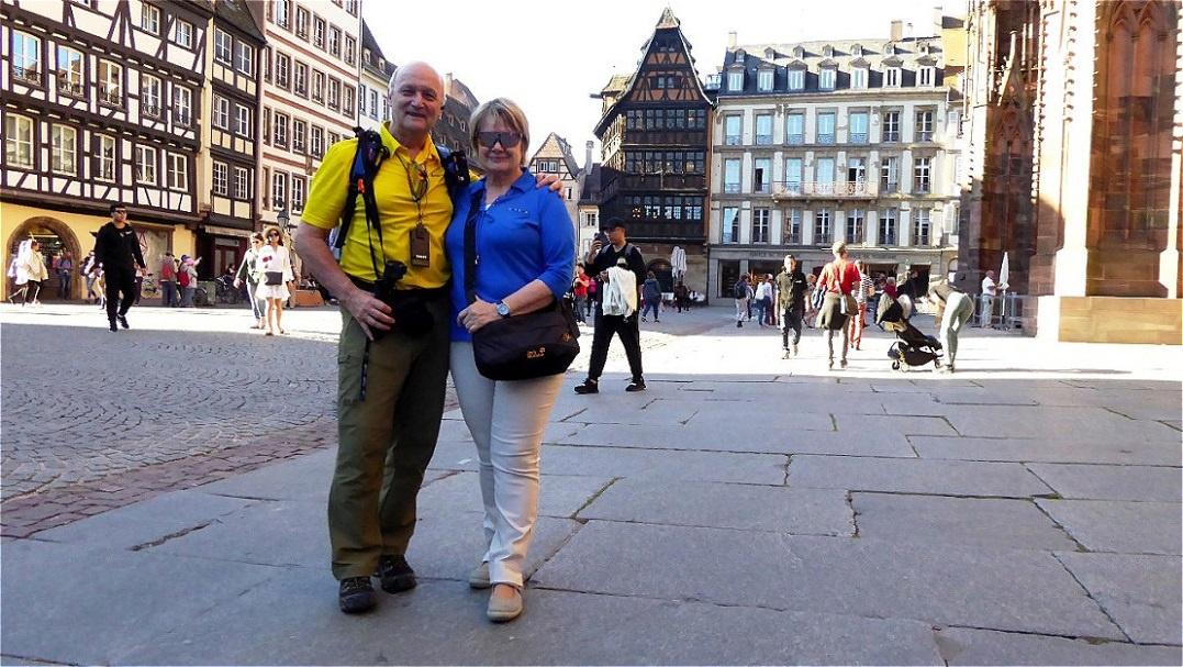 Auf dem Place de la Cathédrale - Münsterplatz