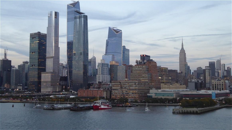 Nochmals ein Blick auf die futuristischen Bauten