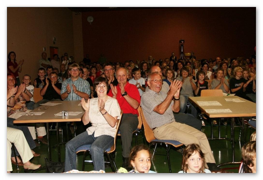 Begeisterung herrscht unter den Zuschauern !