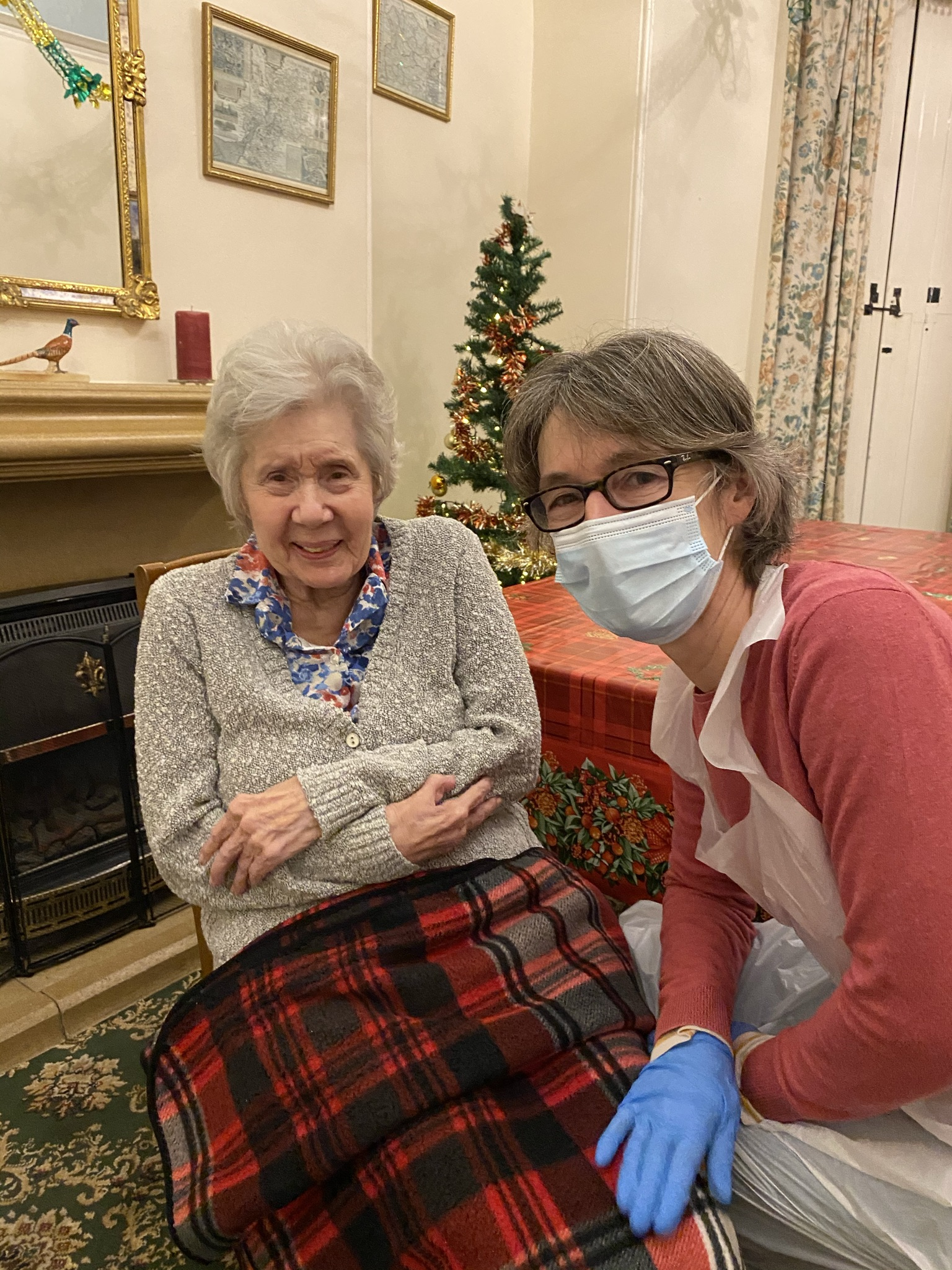 A Mother-Daughter Visit Following an LFD COVID-19 Test - 17.12.20