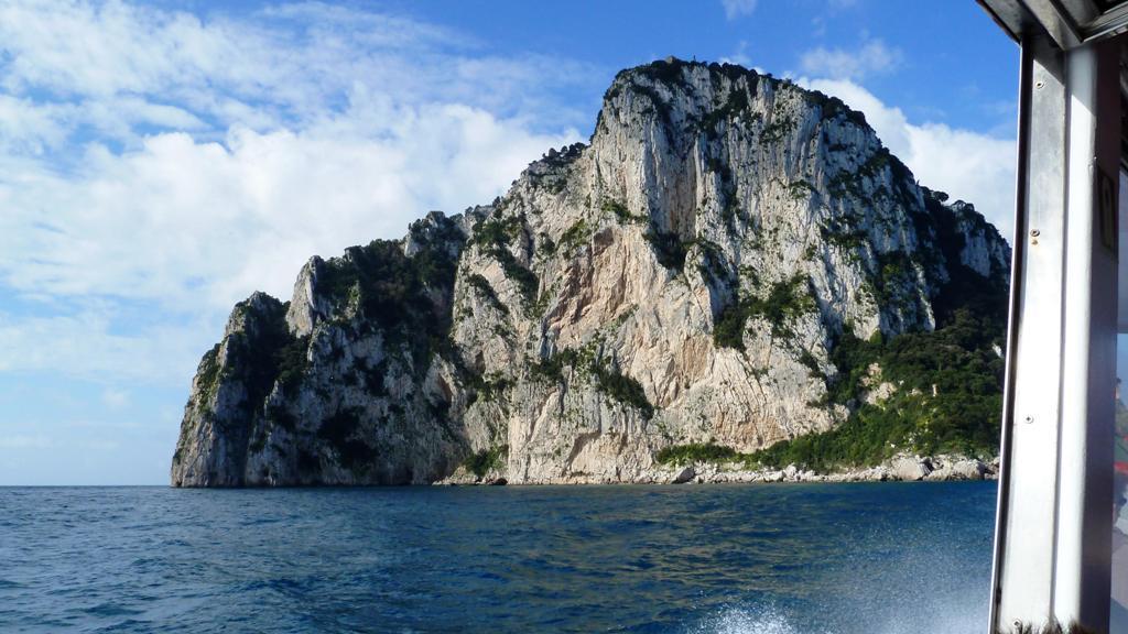 Die Ostspitze Capris - Kaiser Tberius  wählte im Jahr 26 n. Chr. Capri zu seinem Regierungssitz
