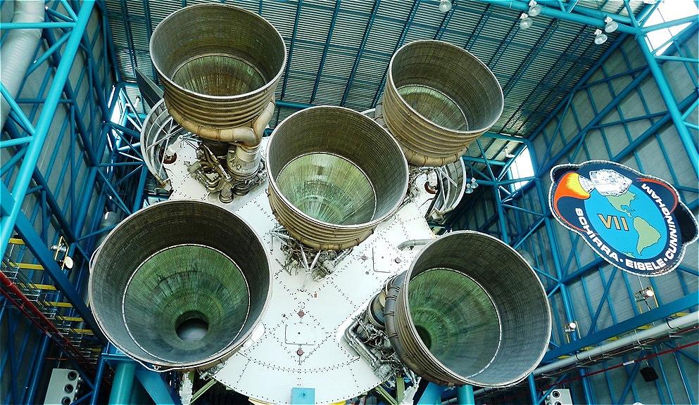Raketenmotoren der Saturn V Mondrakete