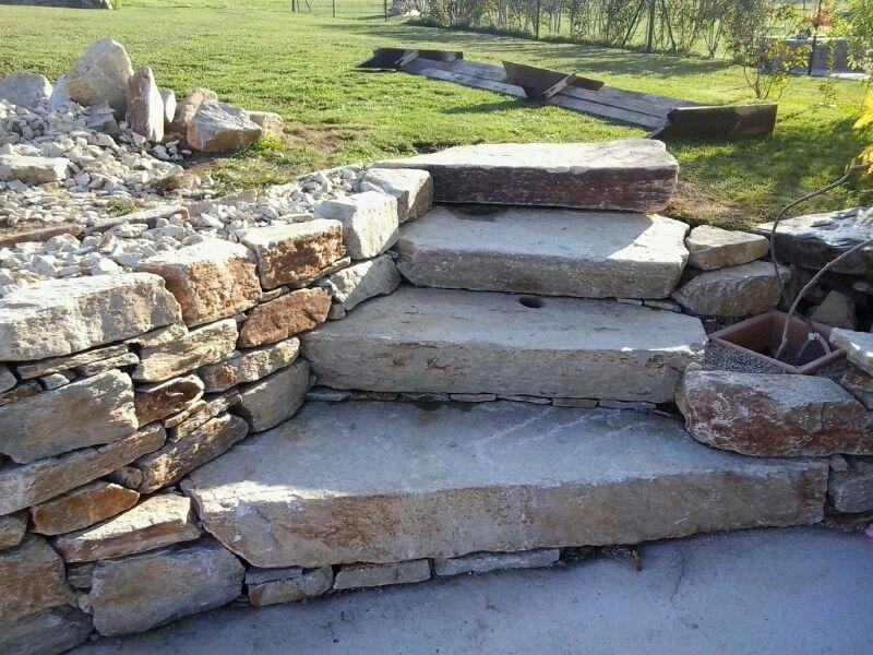 Stufensteine und Trockenmauersteine