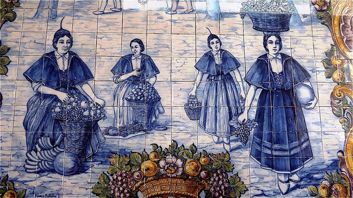Frauen in der typischen Tracht Madeiras !