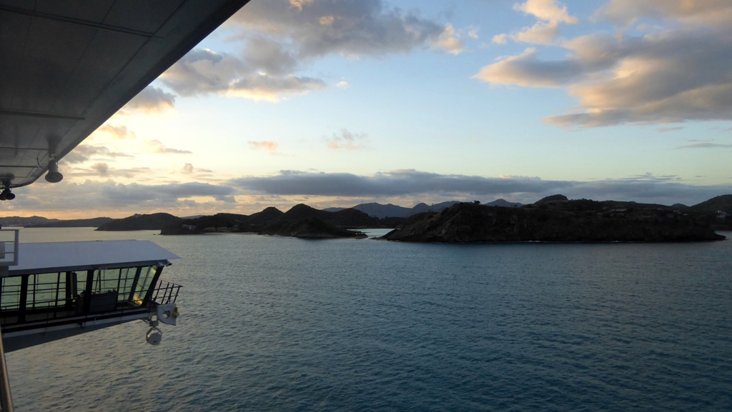 Früher Morgen - Antigua in Sicht !
