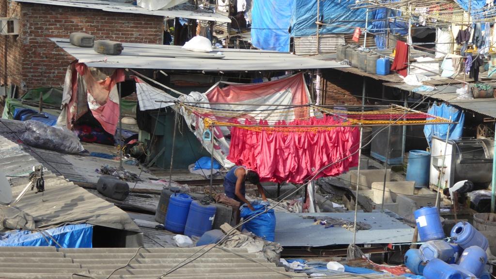 Dhobi Ghat Fein säuberlich wird die Wäsche nach Farben getrennt gewaschen