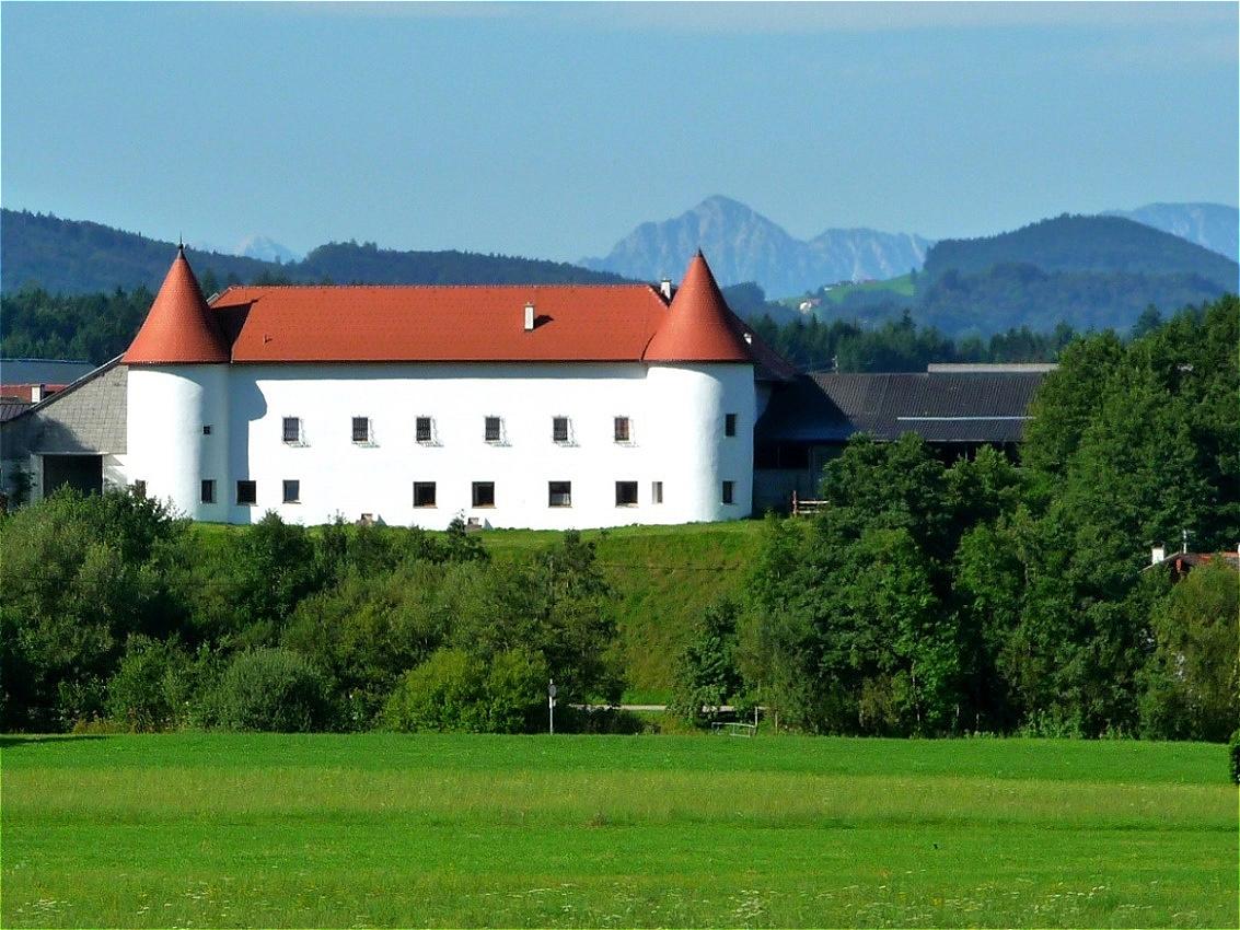 """Schloss Teichstätt - in Privatbesitz von Familie Moser """"Schlossbauer"""""""