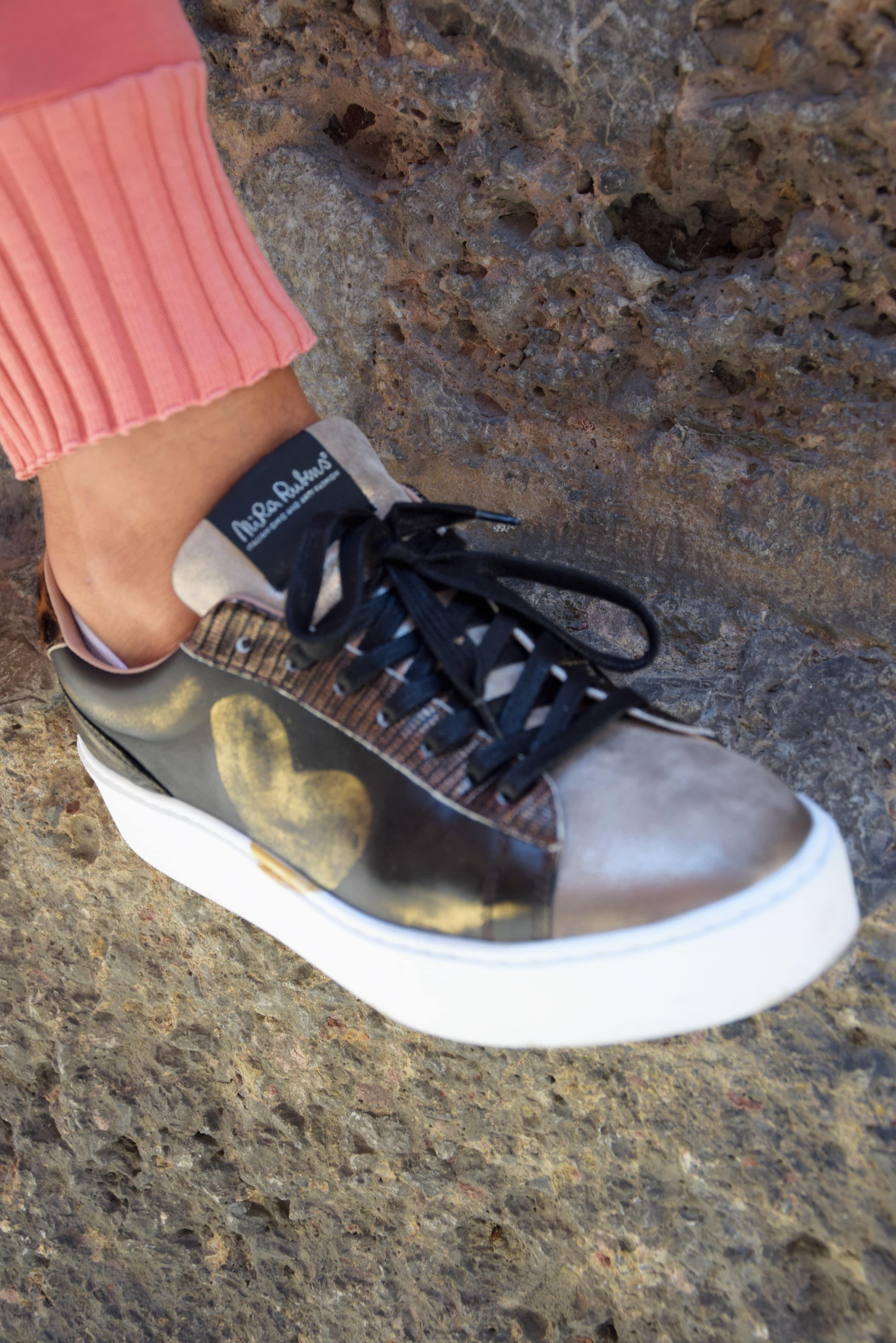 https://0501.nccdn.net/4_2/000/000/050/773/casazza_damenmode_sneaker1_1-min.jpg