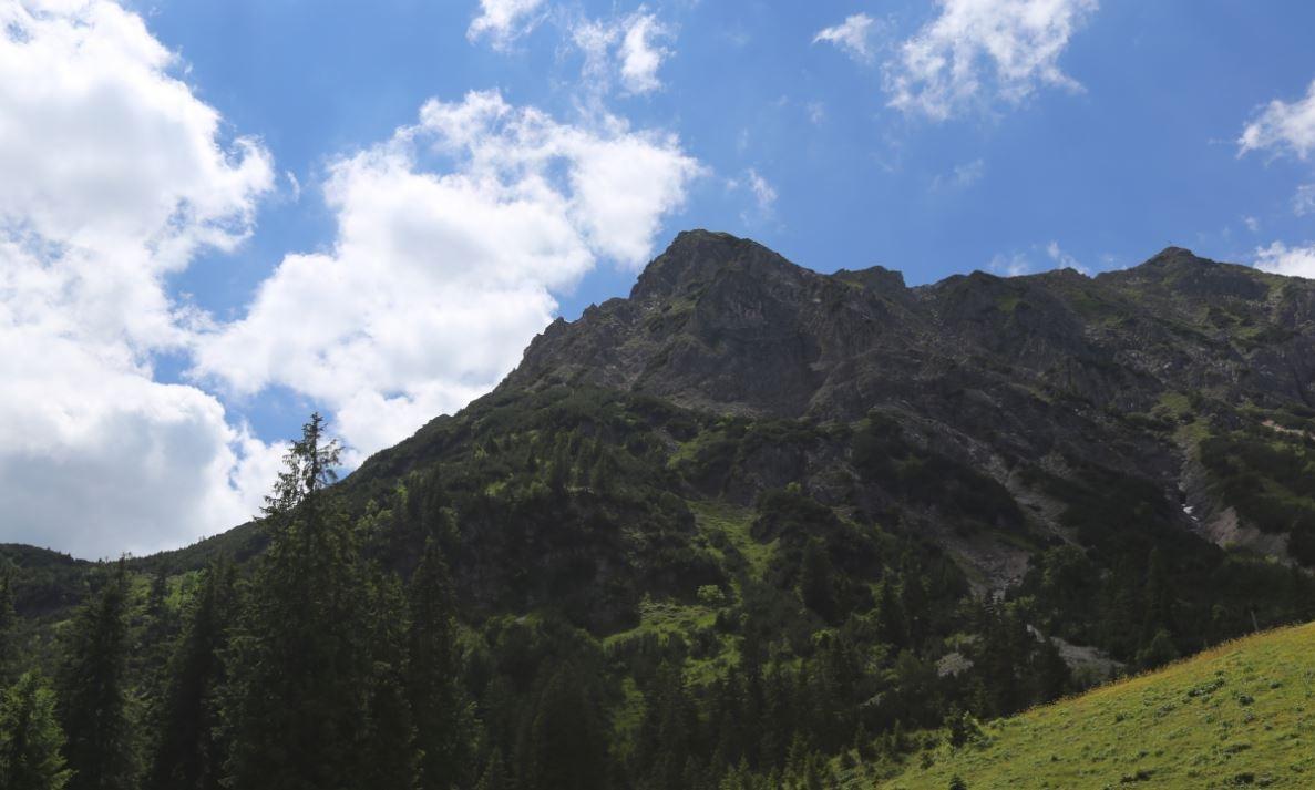 https://0501.nccdn.net/4_2/000/000/050/773/krinnenspitze-1187x713.jpg