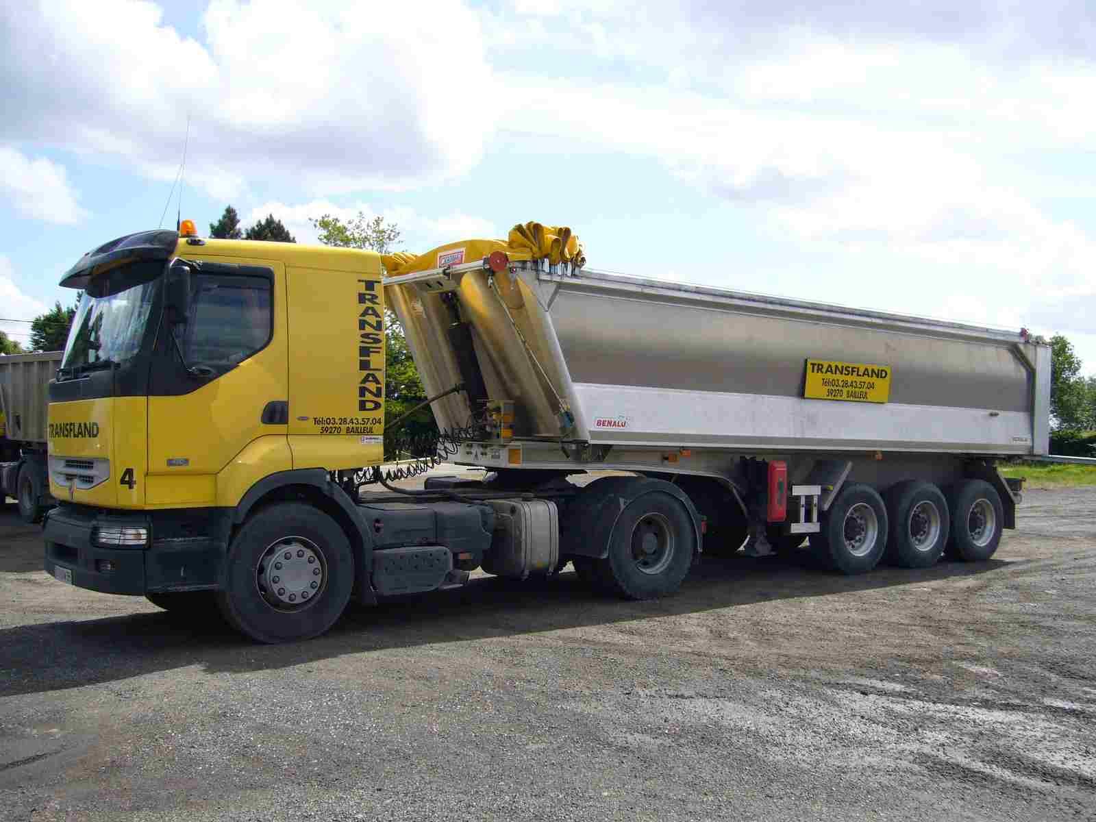 Transfland - Transport matériaux Bailleul - Tracteur