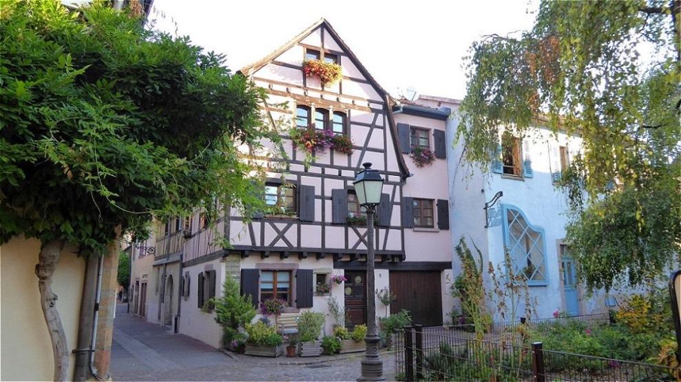 Frisch restauriertes Fachwerkhaus