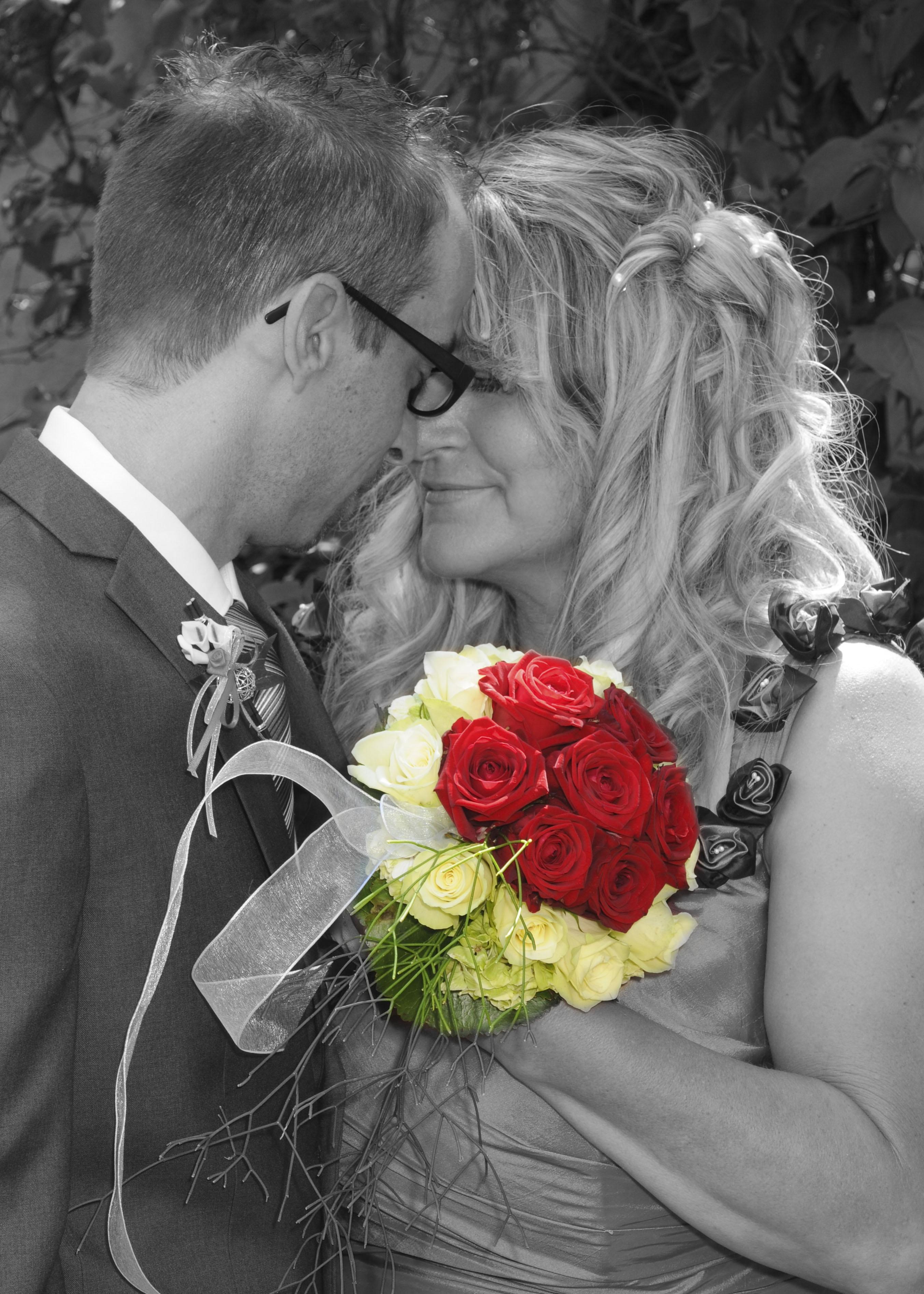 https://0501.nccdn.net/4_2/000/000/053/0e8/Hochzeit--174--2708x3791.jpg