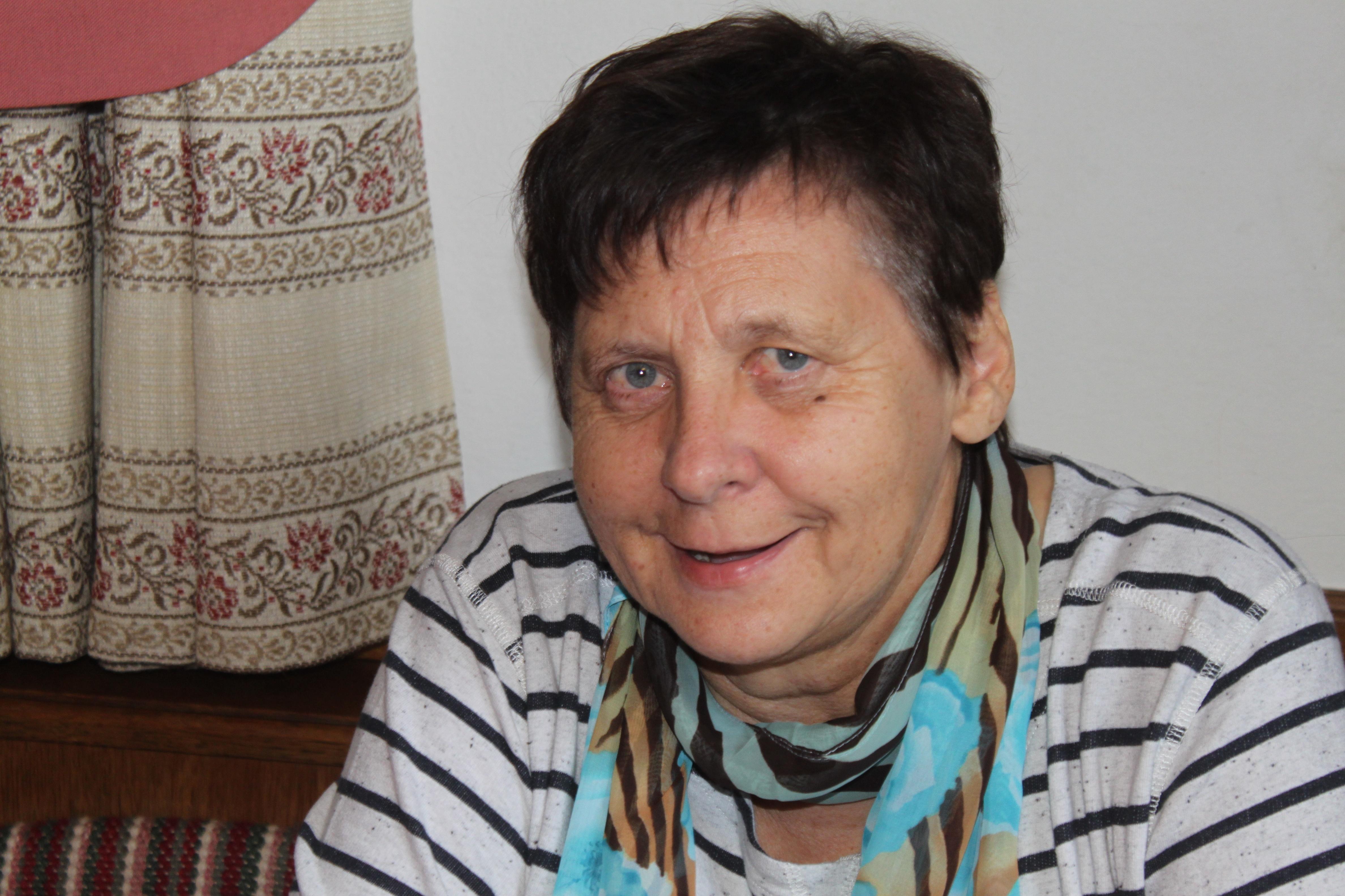 Theresia Zenz, Organisatorin vom Strickstammtisch