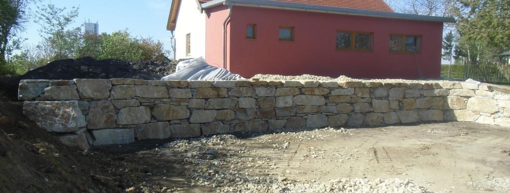 https://0501.nccdn.net/4_2/000/000/053/0e8/Wurfsteinmauer--18-.jpg