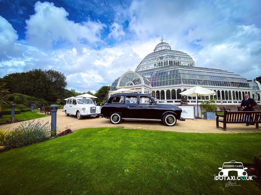 https://0501.nccdn.net/4_2/000/000/053/0e8/classic-fx4-fairway-wedding-taxis-sefton-liverpool.jpg