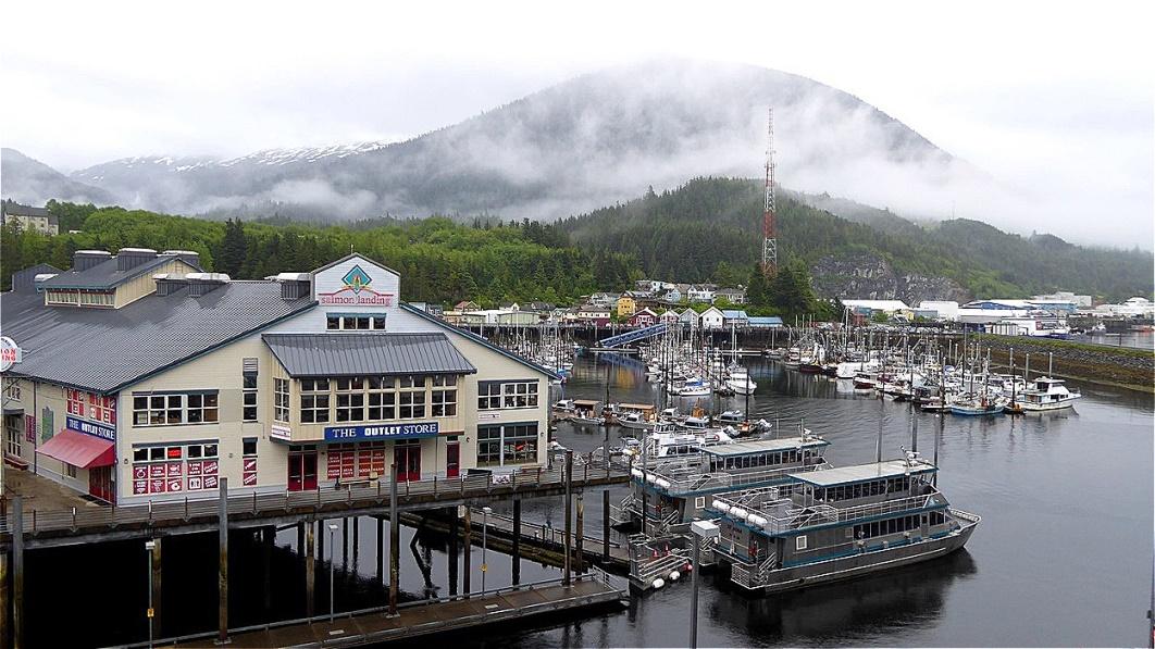 Blick zum Yachthafen