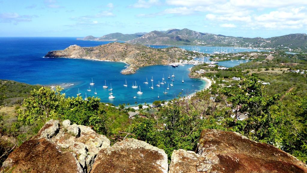 """Ausblick von den """"Shirley Hights"""" auf die Karibische See"""