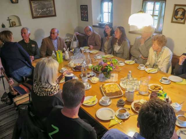 Beim anschließenden Gedankenaustausch im Haus Rauhberg wurden wir köstlich bewirtet.