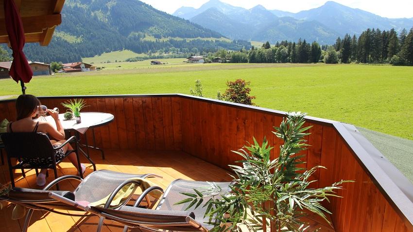 https://0501.nccdn.net/4_2/000/000/056/7dc/terrasse-2-alpengl--ck.jpg