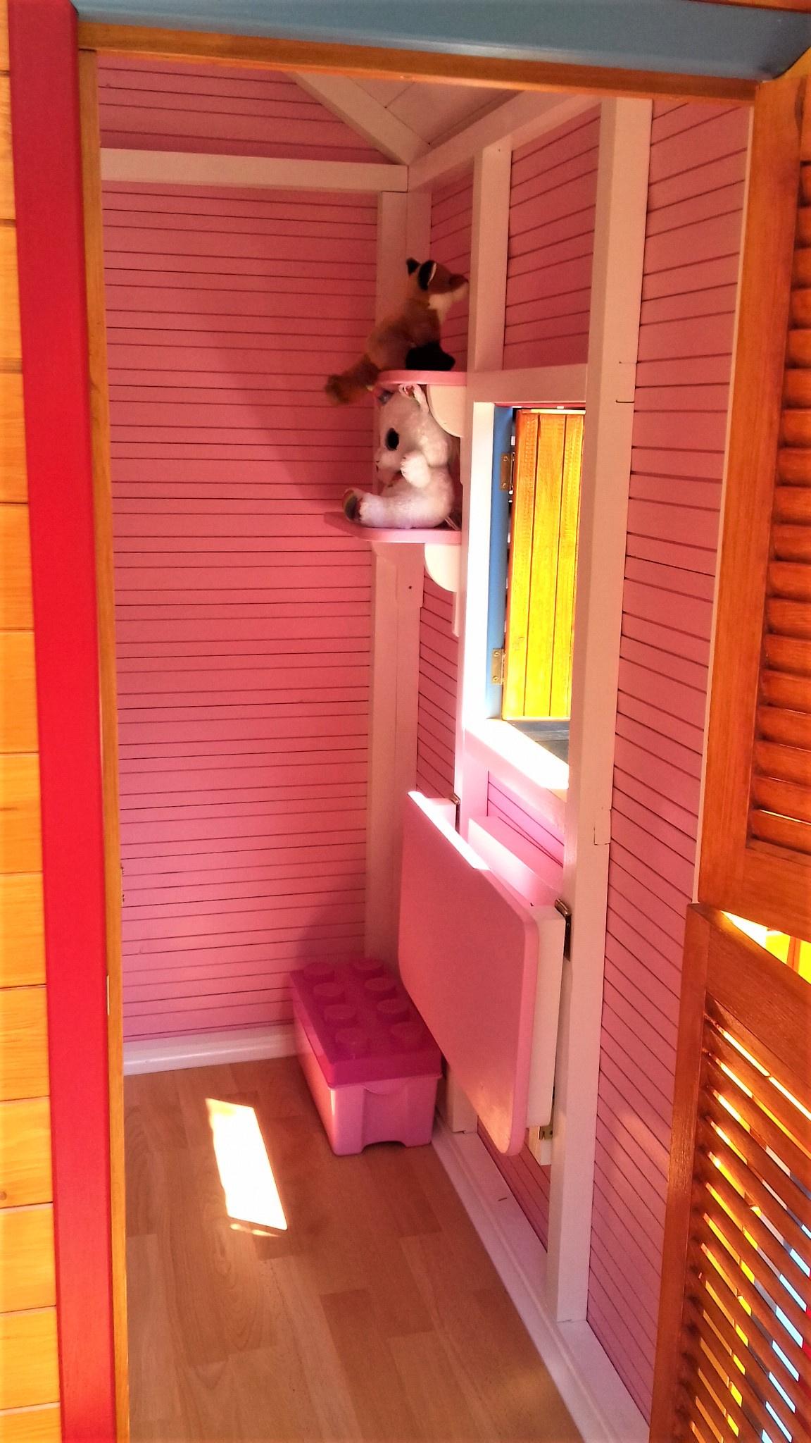 Căsuța Clara pentru Ivana - vedere interior roz