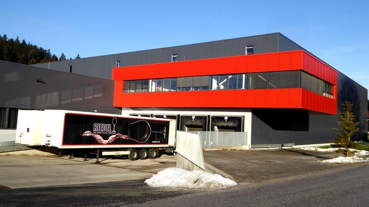 2012 wurde das Logistikzentrum fertiggestellt. Sechs Millionen Euro wurden in die Konzernlogistik investiert.