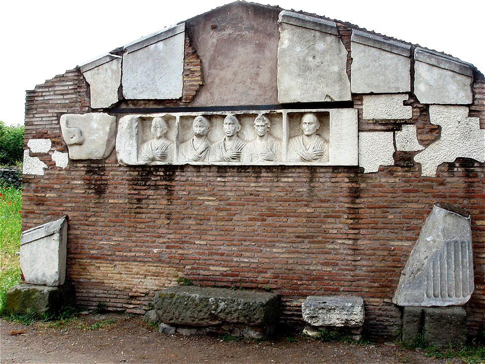 ...ließen ihre Grabdenkmäler entlang der Via Appia Antica errichten