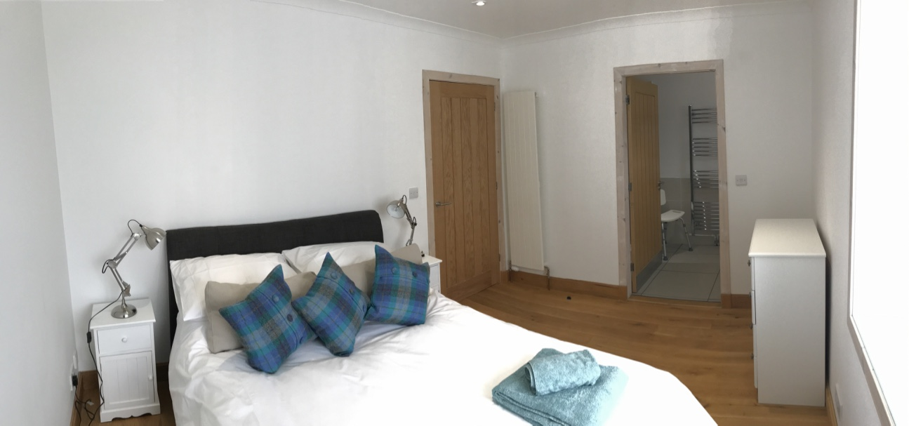 Downstairs accessible bedroom (with ensuite)