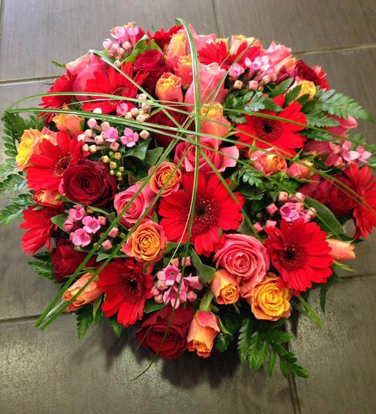 Panier fleurs colorées - 55 €