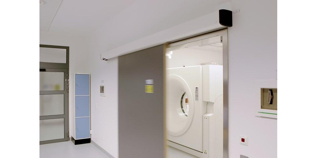 https://0501.nccdn.net/4_2/000/000/05c/240/Besam-hermetic-sliding-door-system-diagnostic-center.jpg