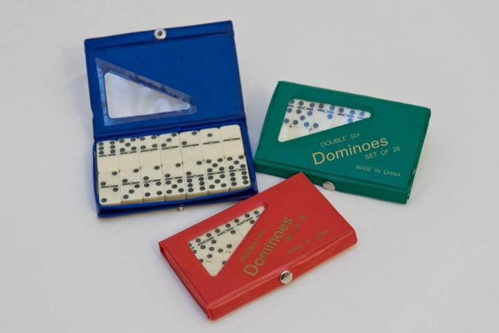 ΚΩΔ:5003 Ντόμινο κασετίνα πλαστική