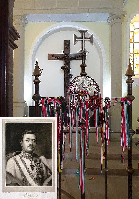 In der Kirche - das schlichte Grab Kaiser Karl I.
