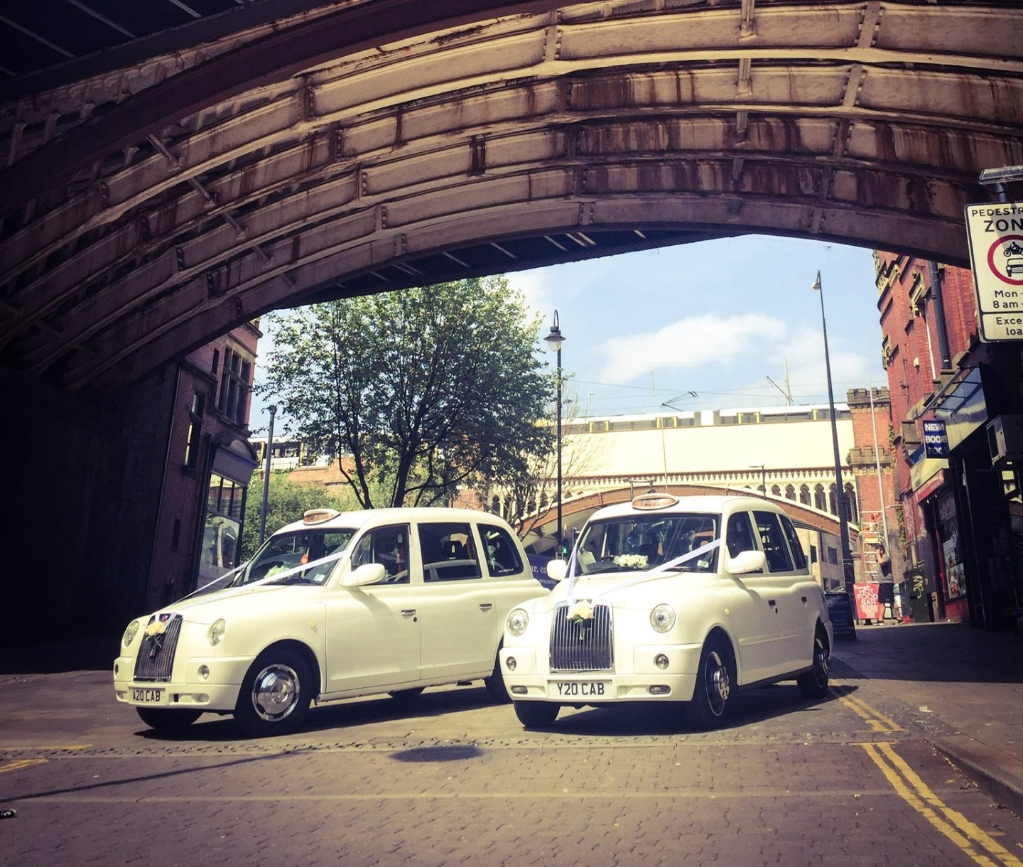Manchester wedding taxis