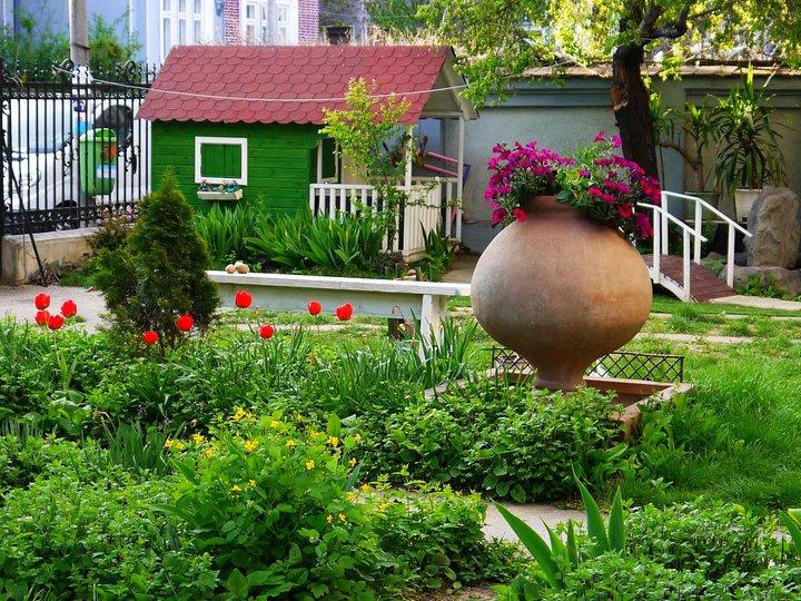 Căsuța Clara pentru Inoke - în grădină