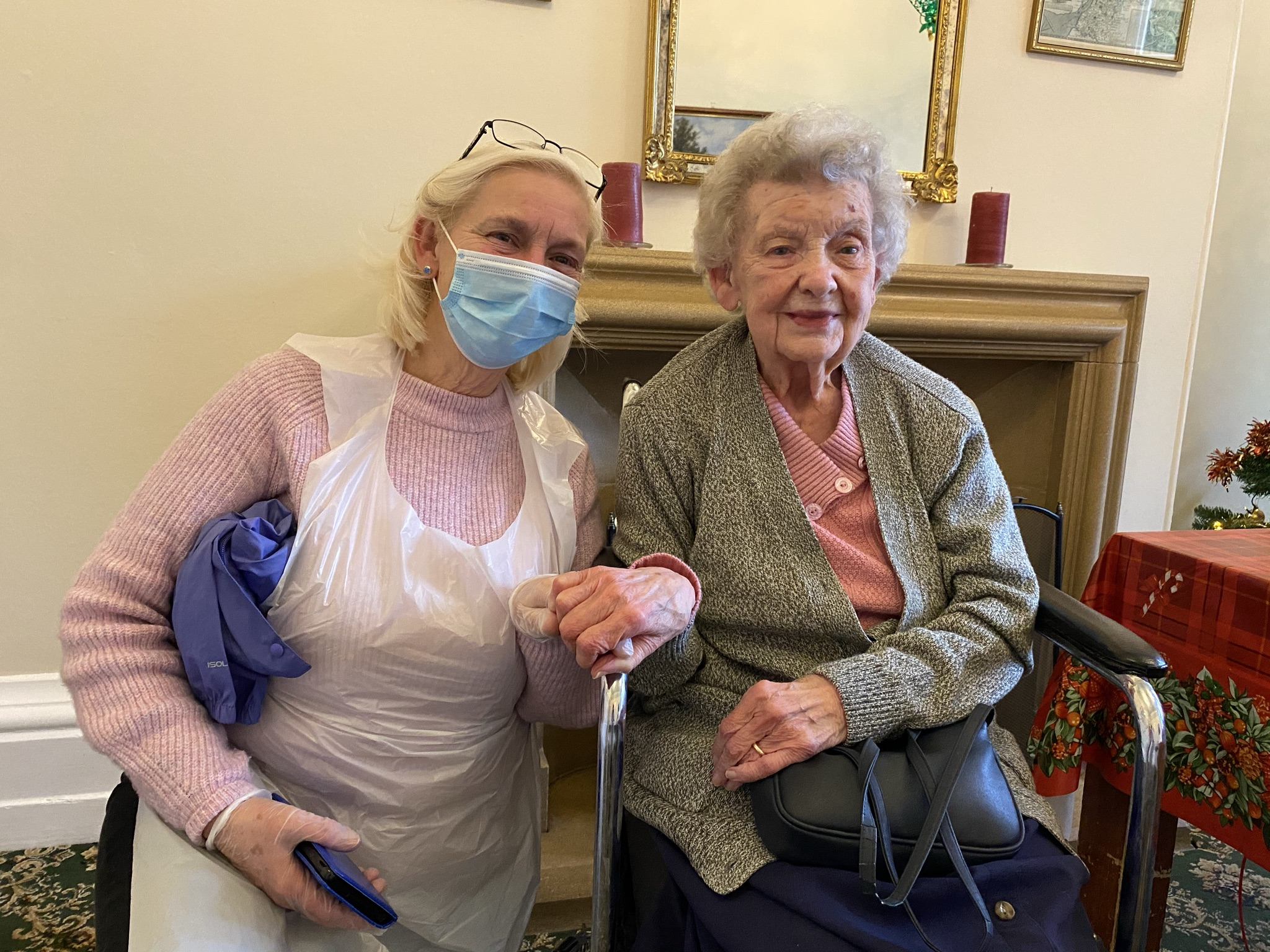A Mother-Daughter Visit Following an LFD COVID-19 Test - 23.12.20