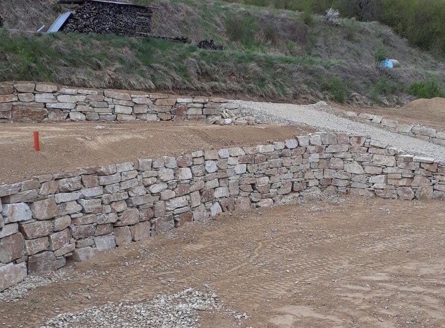 https://0501.nccdn.net/4_2/000/000/061/438/Wurfsteinmauer--31-.jpg