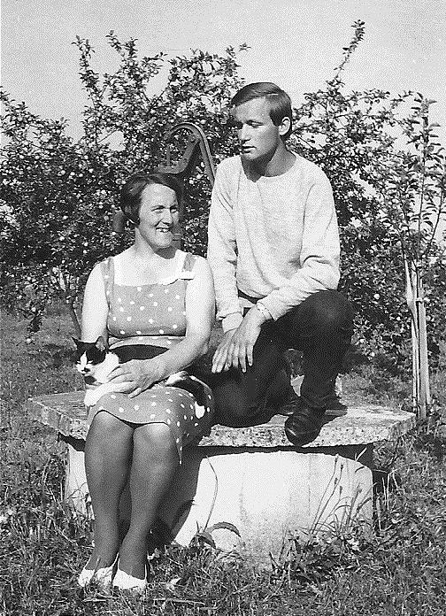 Mit Mutter im Garten - 1966