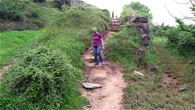 Kurz nach Cirauqui wandern wir auf einer ehemals römischen Fernstraße