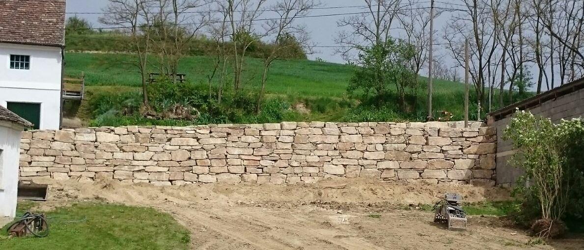 https://0501.nccdn.net/4_2/000/000/064/d40/Wurfsteinmauer--32--1189x510.jpg