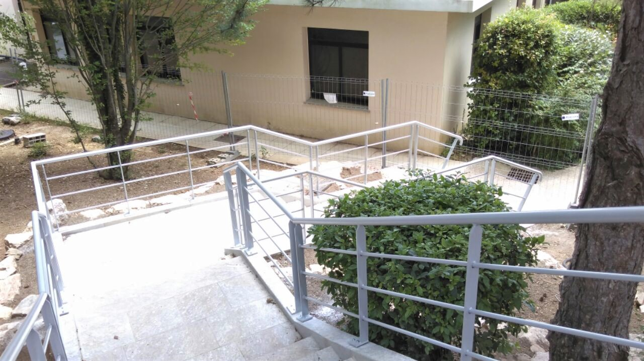 https://0501.nccdn.net/4_2/000/000/064/d40/escalier-avene-1.jpg