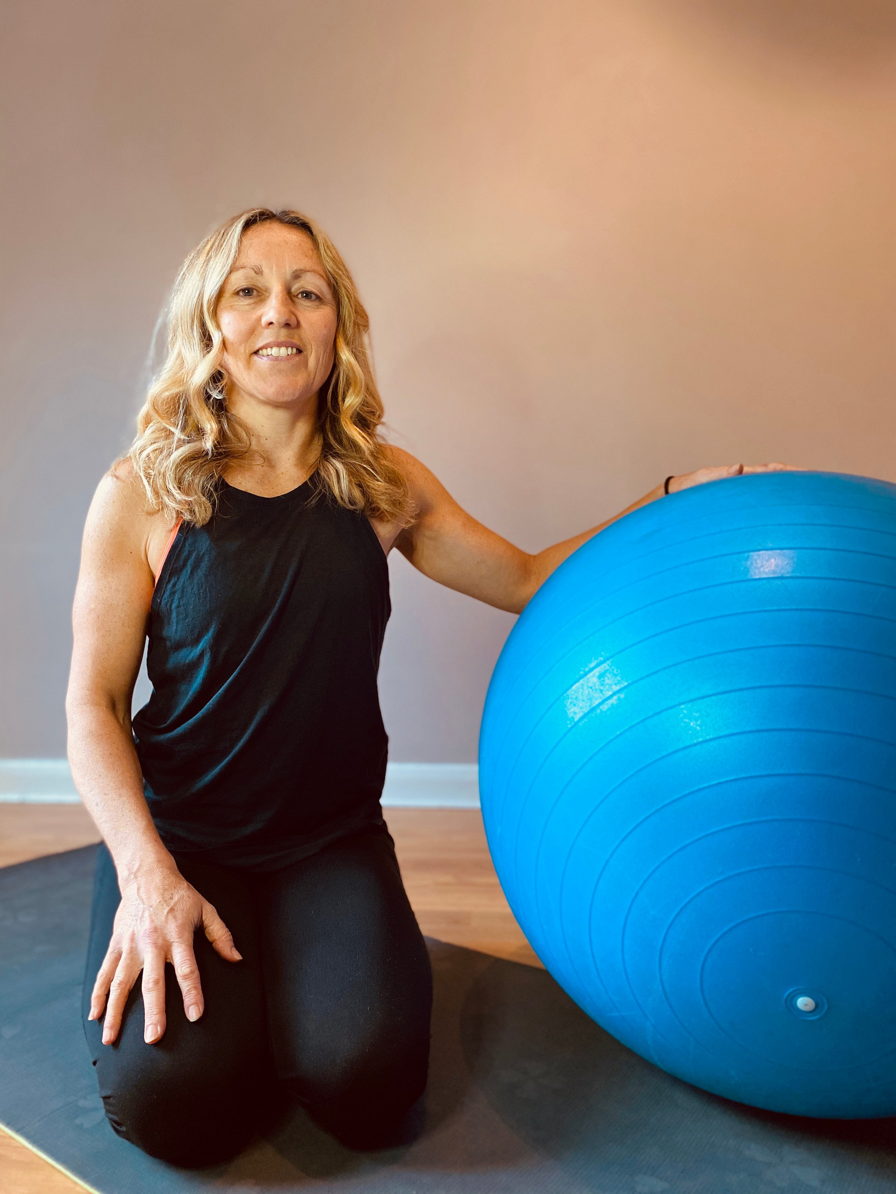 """""""Angela is a great instructor with easy to follow classes which she adapts to suit your level. So glad to be able to continue the classes virtually."""" Rachel"""